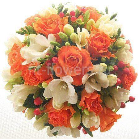 Свадебный букет из оранжевых пионовидных роз фото 11